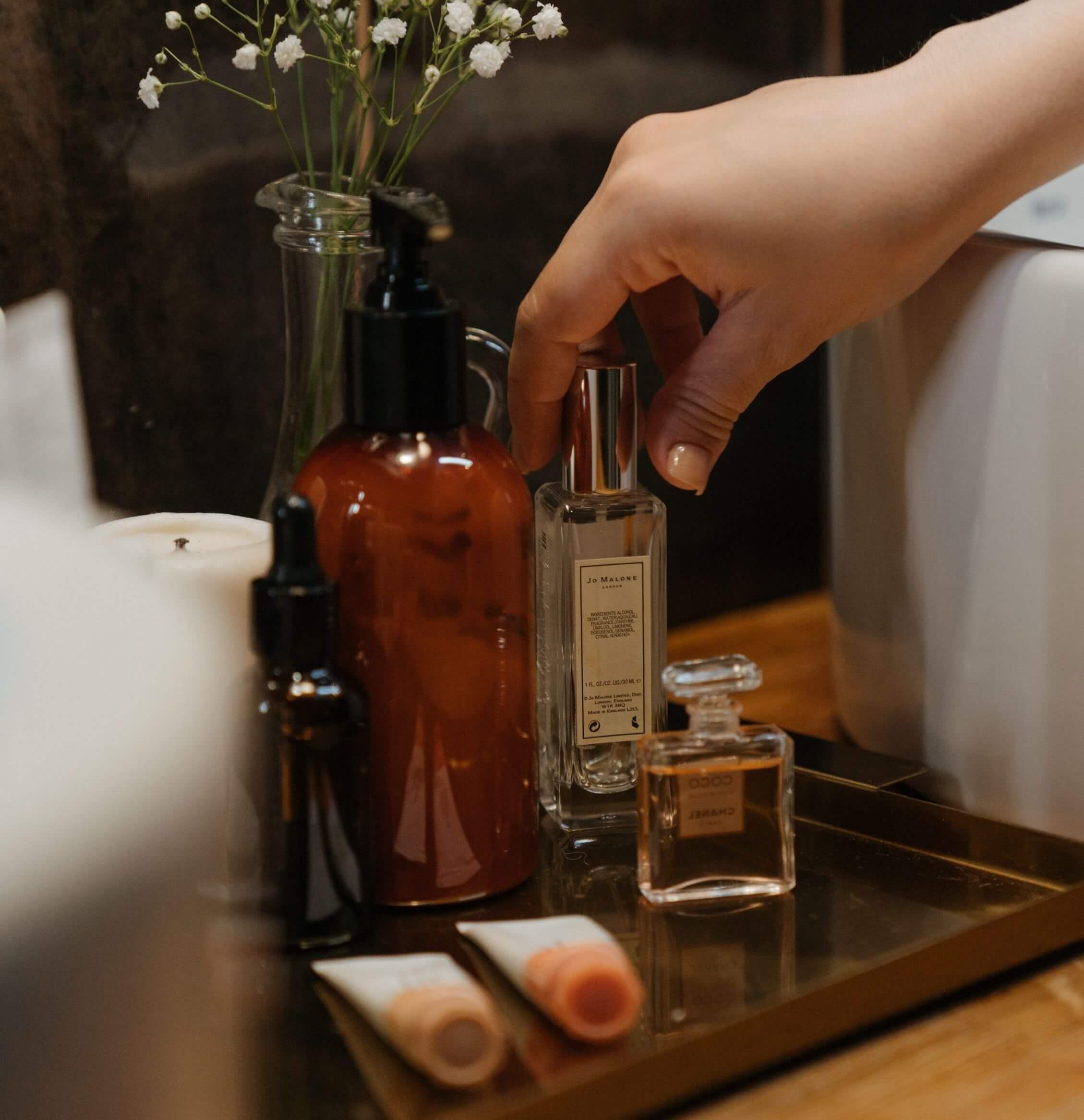 Спрей за тяло и парфюм от Ариана Гранде